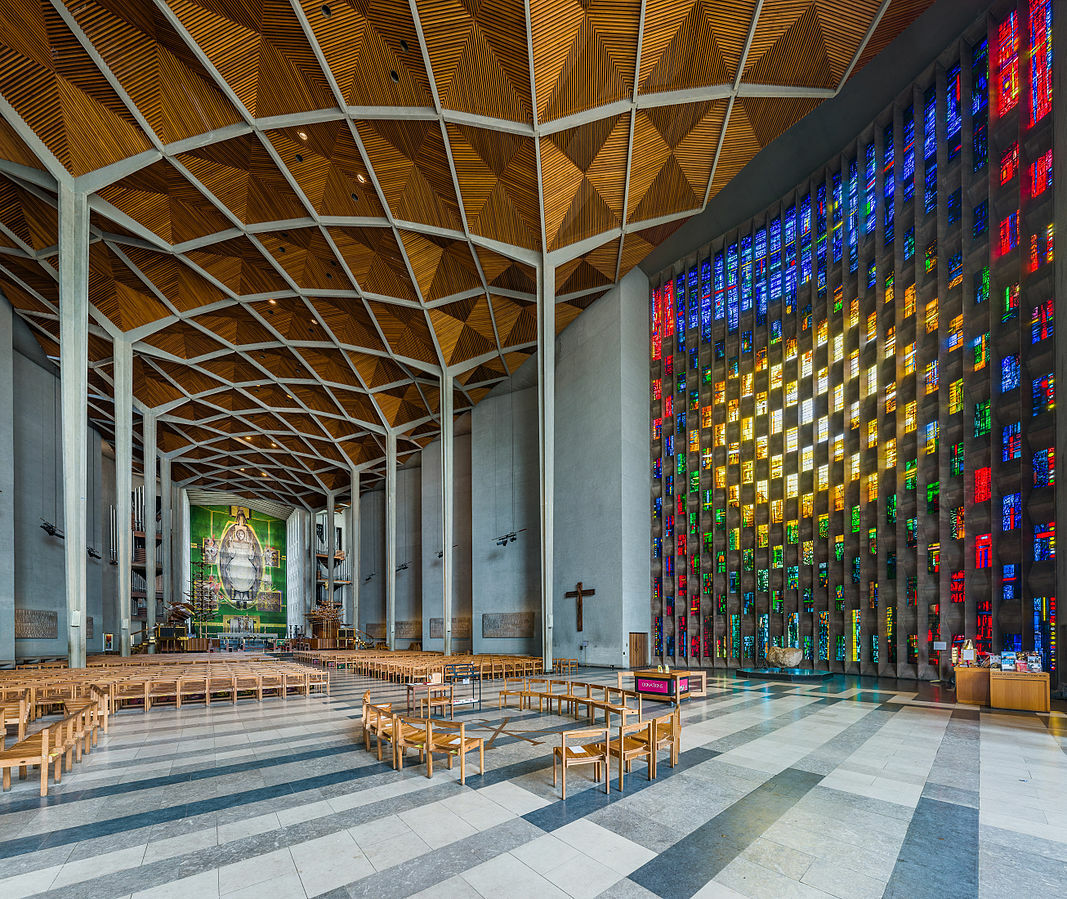 Coventry_Cathedral_Interior,_West_Midlands,_UK_-_Diliff